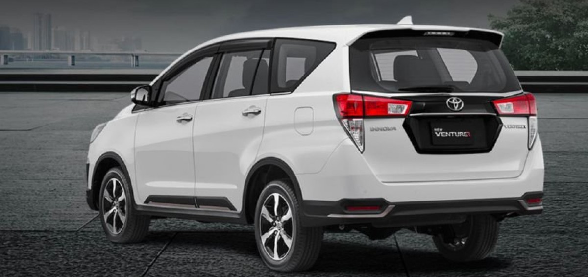 toyota-innova-2021-facelift-chao-gia-534-trieu-don-6b0a