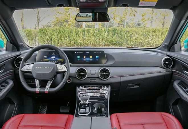 nội thất, T5 Evo có thiết kế pha trộn của nhiều thương hiệu xe sang